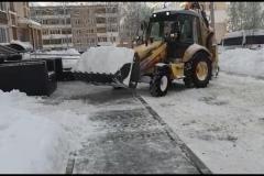 чистка-снега-пр.60-лет-Октября-д.6-3